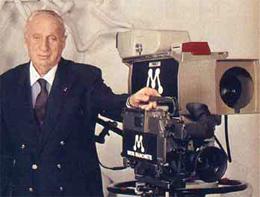 Adolpho Bloch era o fã número 1 da Rede Manchete. Estava quase sempre assistindo o canal.